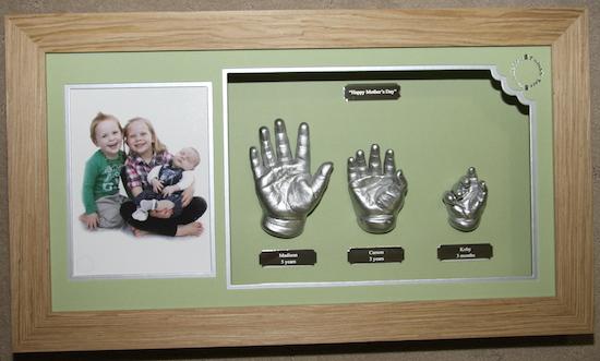 3 Hands, 3 Children Image